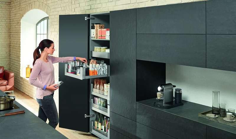 выдвижная колона для хранения на кухню